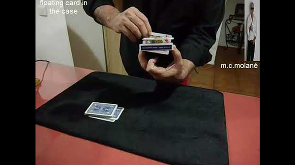 Floating Card In The Case von Salvador Molano video DOWNLOAD - JCM STORE