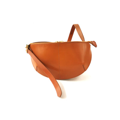 LEATHER BODYPACK BAG tan