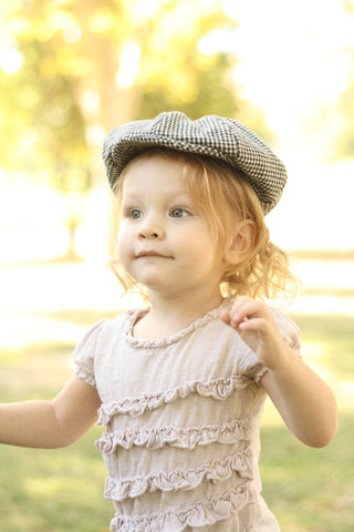 Newsboy Hat in Black and White Houndstooth