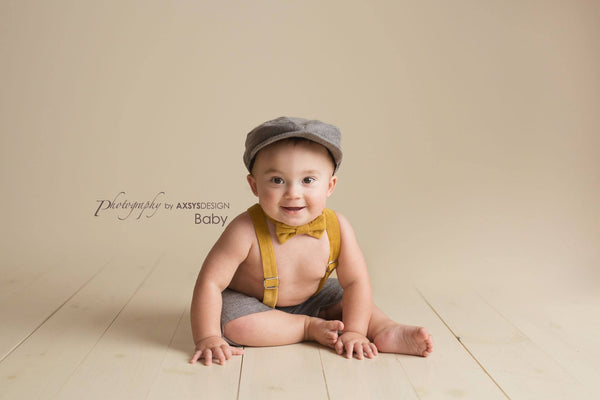 Henry Newsboy Set in Gray and Mustard