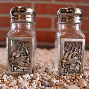 Salt and Pepper Shaker Set - Crab Net