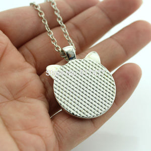 back view of cat face pendant