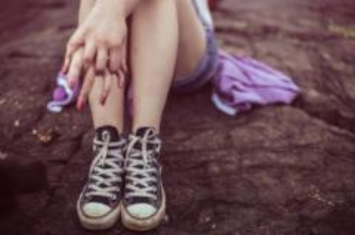 Picture of young girls feet in sneakers - image for DEALING WITH CHILD & ADOLESCENT BEHAVIOURS IN RESIDENTIAL CARE - ONE DAY WORKSHOP