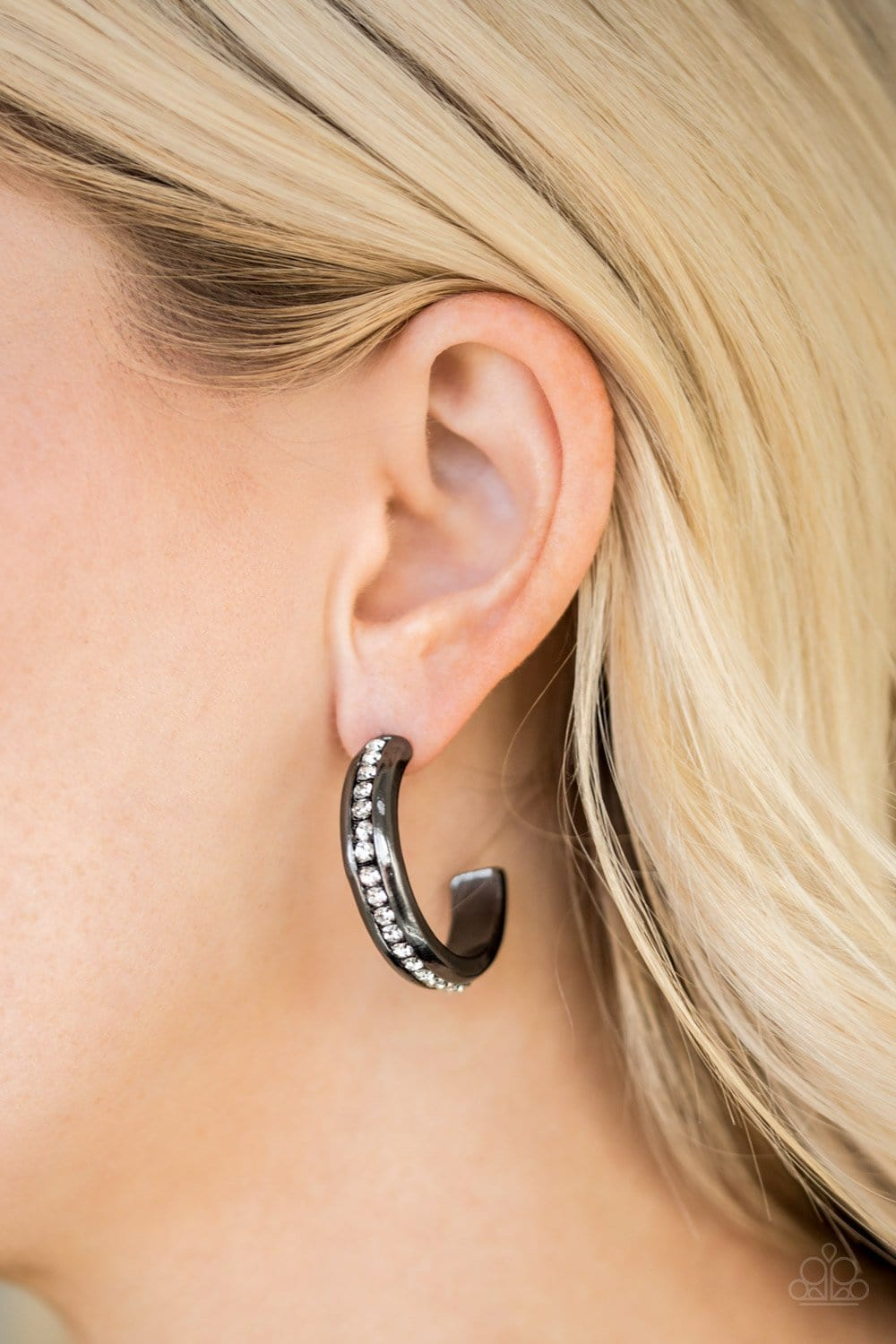 Paparazzi: 5th Avenue Fashionista - Black Hoop Earrings