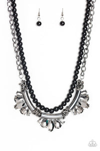 Bow Before The Queen - Black: Paparazzi Accessories - Jewels N' Thingz Boutique