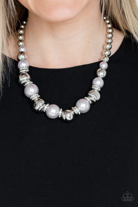 Paparazzi: Hollywood HAUTE Spot - Grey Pearl Necklace