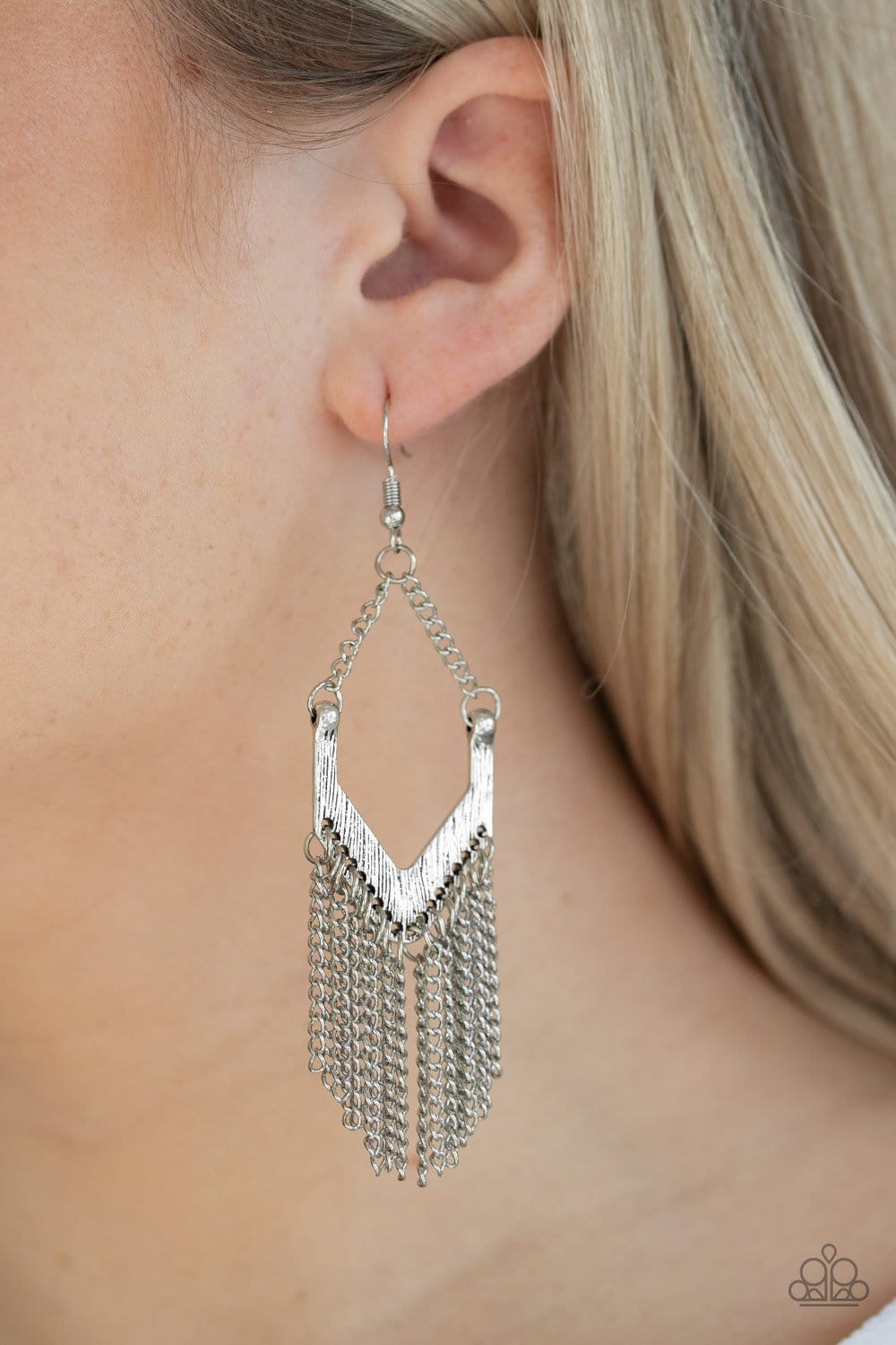 Paparazzi: Unchained Fashion - Silver Antiqued Earrings