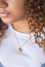 Load image into Gallery viewer, Worlds Best Mom - Gold: Paparazzi Accessories - Jewels N' Thingz Boutique