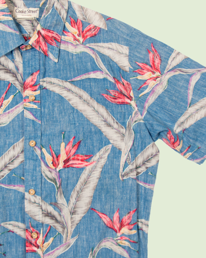Hawaii shirt Cooke St. blue red flowers (M)