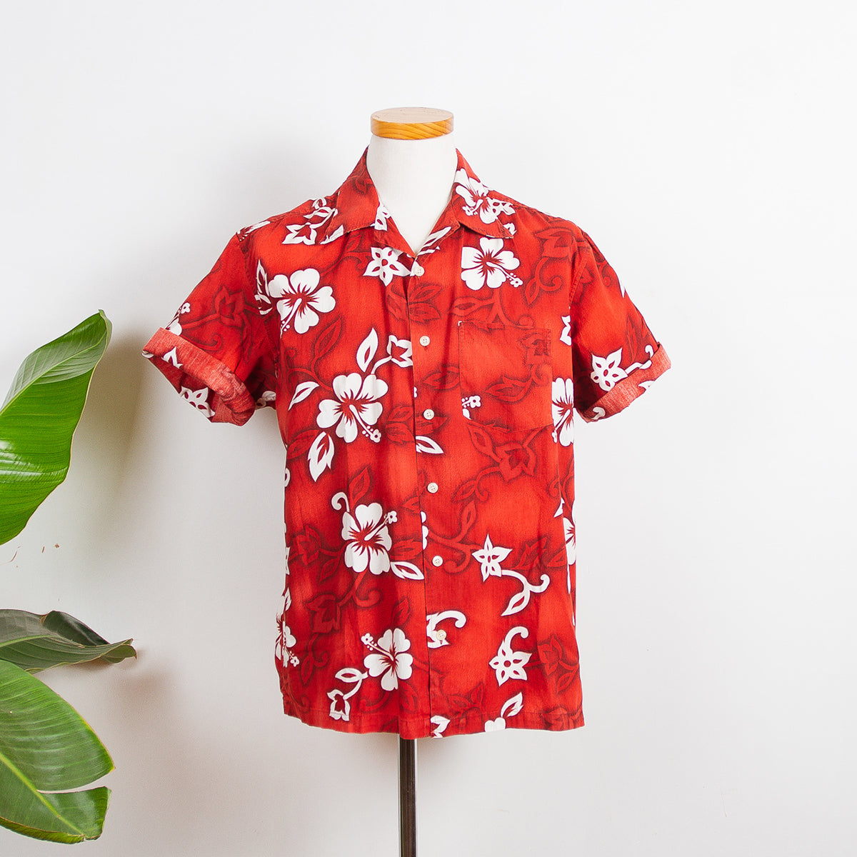 Hawaii Shirt Red Flowers