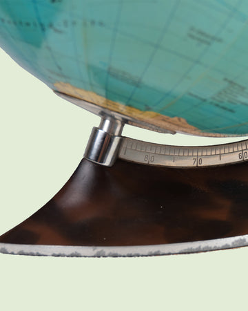 Columbus 'Ironing' base Globe with Lamp