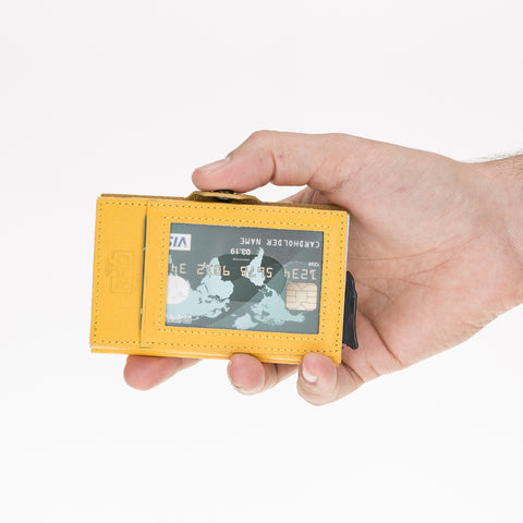 wallet-or-cardholder-how-to-choose-one