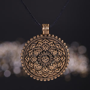 Meditation Amulet necklace - TAIGS000