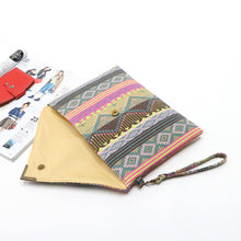 Load image into Gallery viewer, Vintage Envelope Clutch - TAIGS000