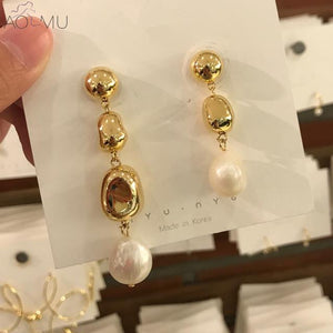 Freshwater Pearl Stud Earrings - TAIGS000