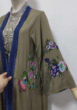 Load image into Gallery viewer, Embroidered Kimono - TAIGS000