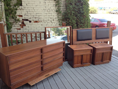 Brown Saltman 5-Piece Bedroom Set