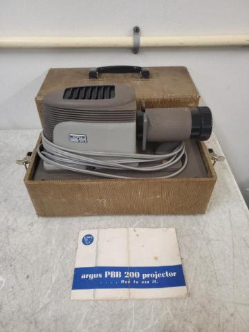 Vintage Argus PBB 200 Slide Projector w/ Case + Manual