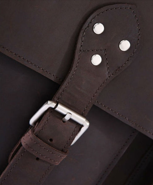 buckle detail on the Selvaggio handcrafted genuine leather bag by Serbags
