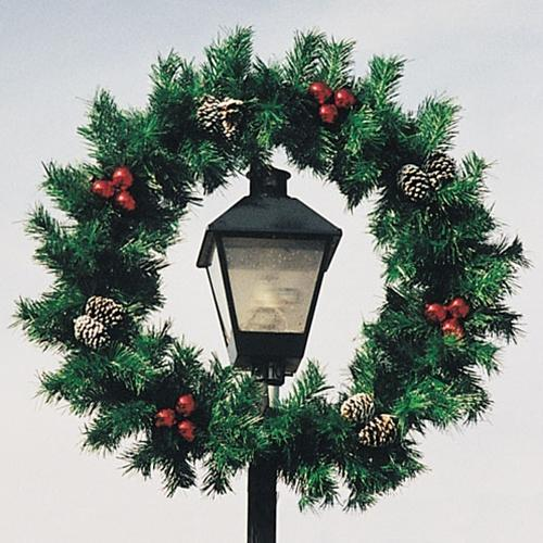 5' Lamp Post Garland Wreath