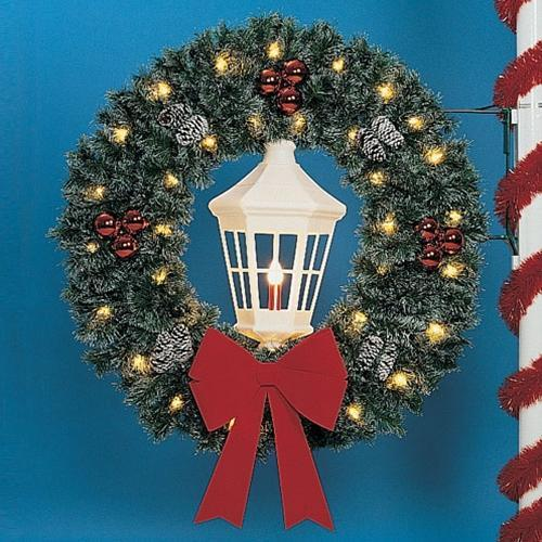 5' Wreath with White Deluxe Lantern