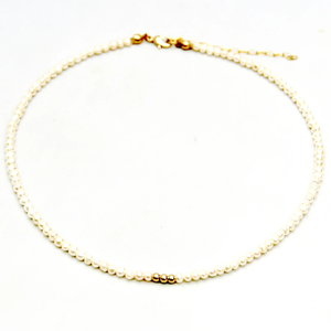Deux Amies Tiny Pearls Choker