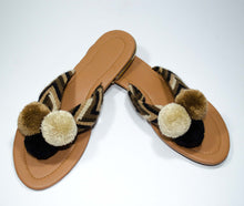 Load image into Gallery viewer, Pom Pom Sandals Nispero