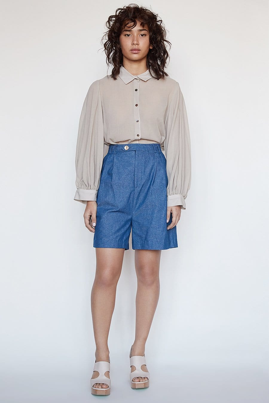 Mae Short in Cotton Twill