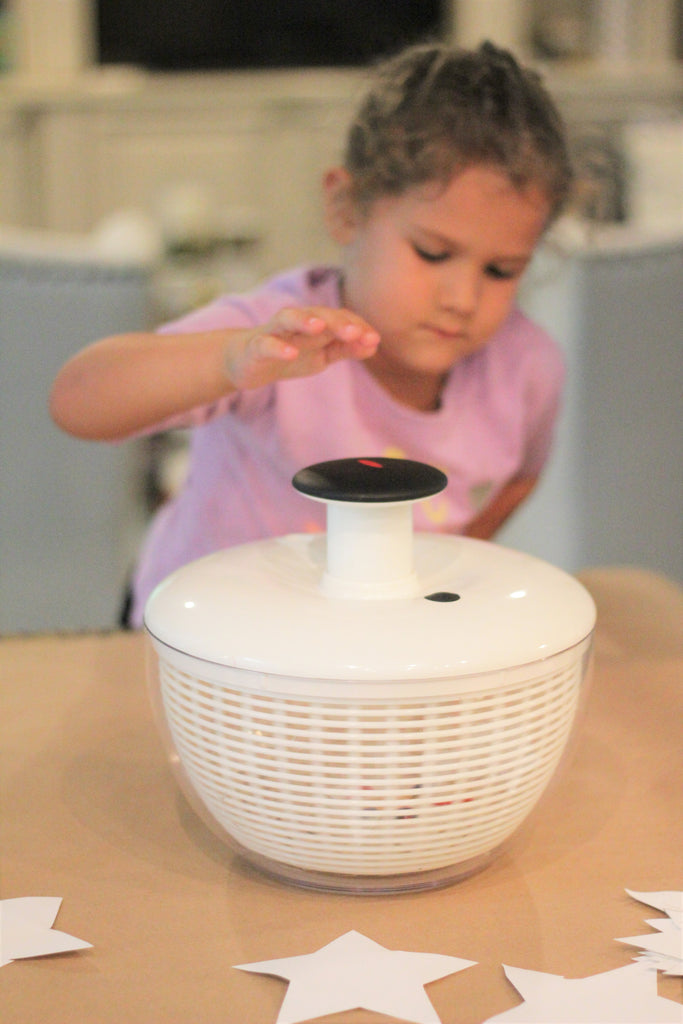 Salad Spinner Art, How to make Spin Art at Home