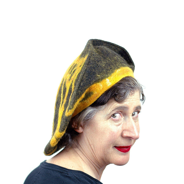 Black and Gold Beret with Bridge - three quarters view