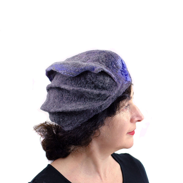 Gray Gotland Wool Beret with Purple Ruffle - profile view