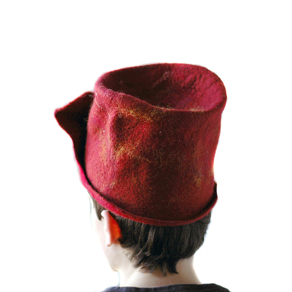 Gryffindor Top Hat with Flying Snitch - back view