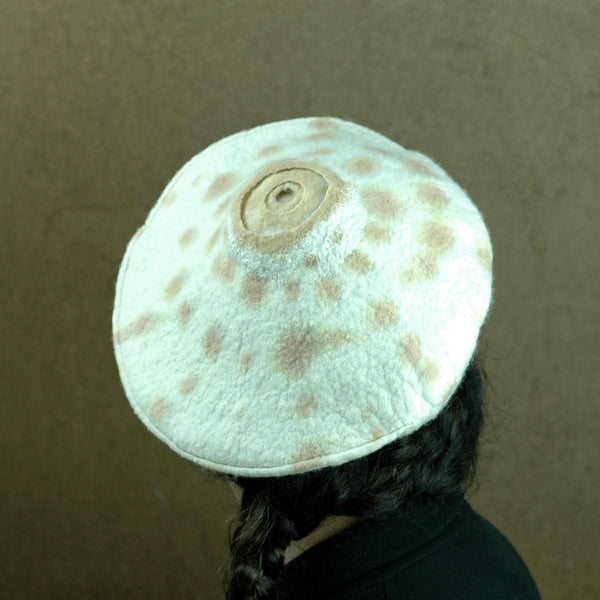 Simple Ivory Cheetah Beret -back view