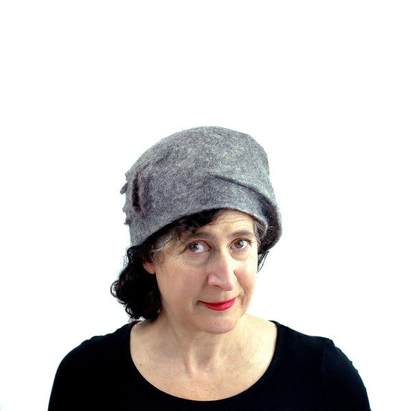 Simple Gray Gotland Wool Beret - front view