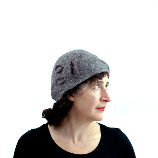 Simple Gray Gotland Wool Beret - side view 1