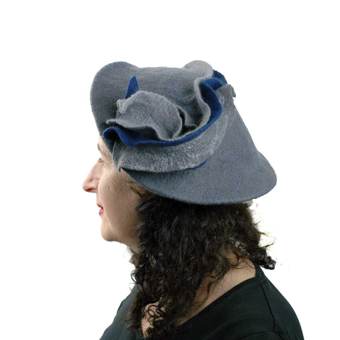 Sculptural Gray Beret with Navy Blue Wave -side view