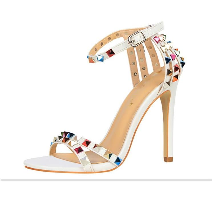 Trendy Strappy Buckle Sandals