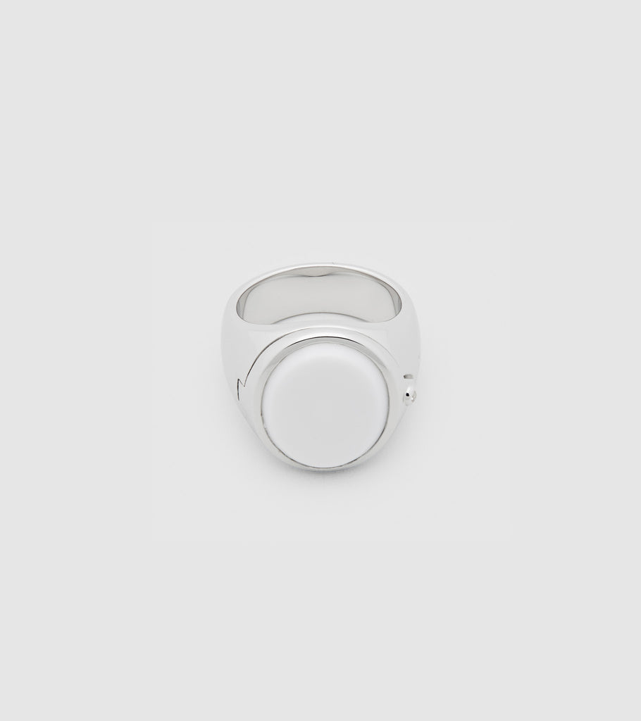 Poison Ring Oval White Agate