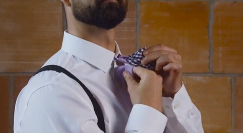 how to tie a bow tie the tough step