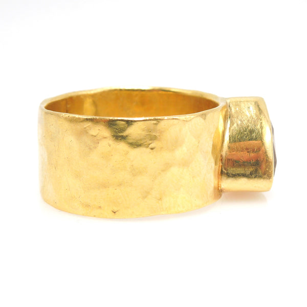 22K Yellow Gold Mounting with Trillion Cut Heliodor (Golden Beryl)