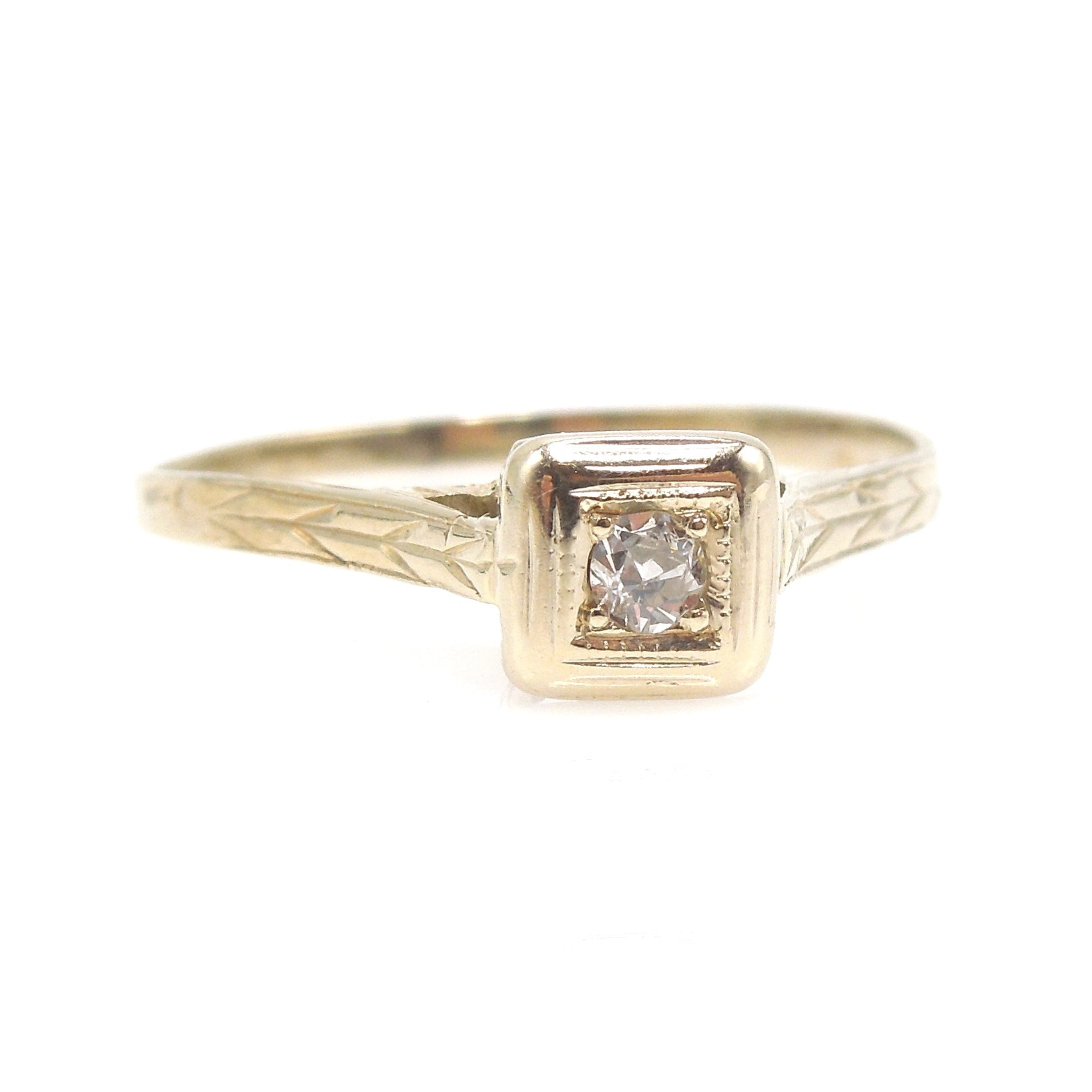 18K Yellow Gold Deco Diamond Ring