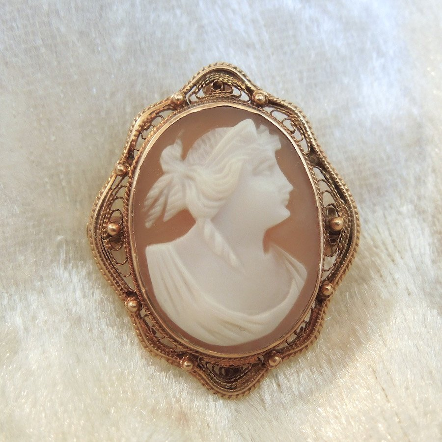 10K Yellow Gold Shell Cameo Pin/Pendant