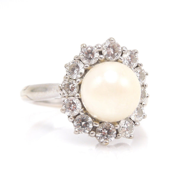 8mm White-Yellow Pearl Surrounded by Halo of 0.76ct Diamonds