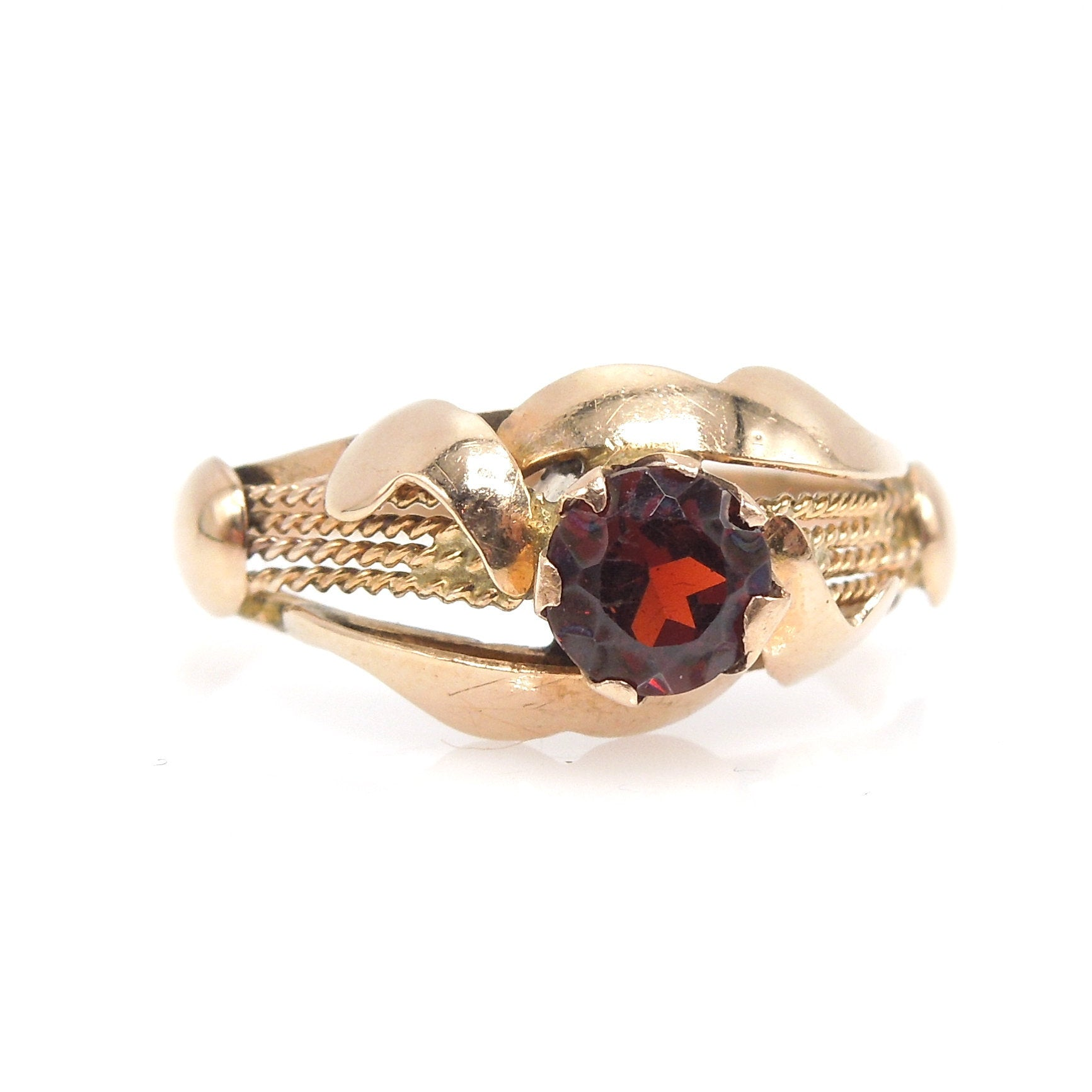 Natural Red Garnet in 14K Yellow Gold Rope Style Ring