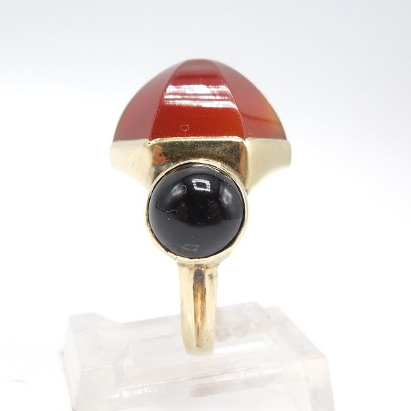 Vintage Yellow Gold Geometric Ring with Hexagonal Carnelian and Round Onyx