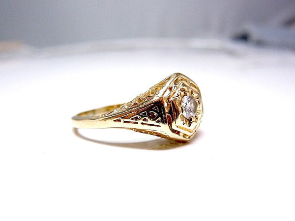 Quarter Carat Diamond in Art Deco Filigree Yellow Gold