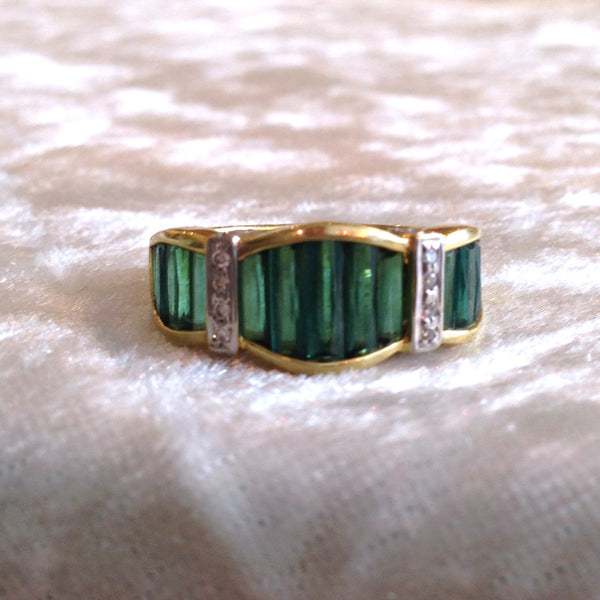 18K Yellow Gold Green Tourmaline and Diamond Ring