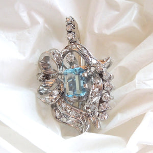 Blue Topaz and Diamond Pendant in White Gold from the 1940s