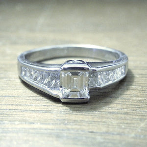 Vintage 1980s Emerald and Princess Cut Diamond Ring in Platinum