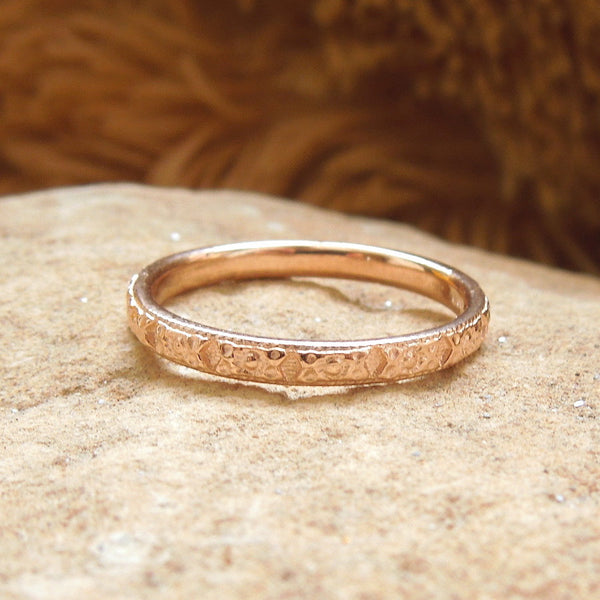 Art Deco Engraved Wedding Band in Yellow or Rose Gold